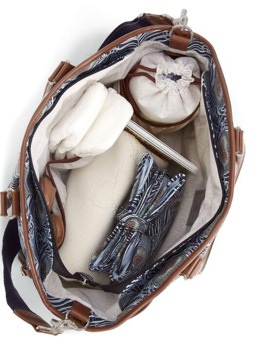 إصدار خاص من حقيبة تبديل الملابس حقيبة تبديل الملابس Parker Tote - إصدار خاص من Liberty image number 3